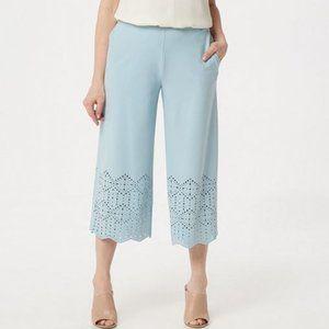 Crepe Pull-On Crop Pants w/ Laser Cut Detail 261